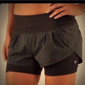 Lululemon speed squat shorts